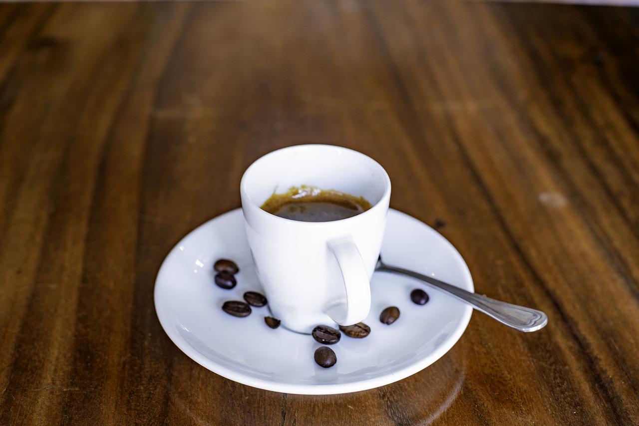 Zanim wypijesz filiżankę kawy